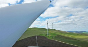 Construction of the Mount Gellibrand Wind Farm's 44 turbines will start early in 2016 and take less than two years.